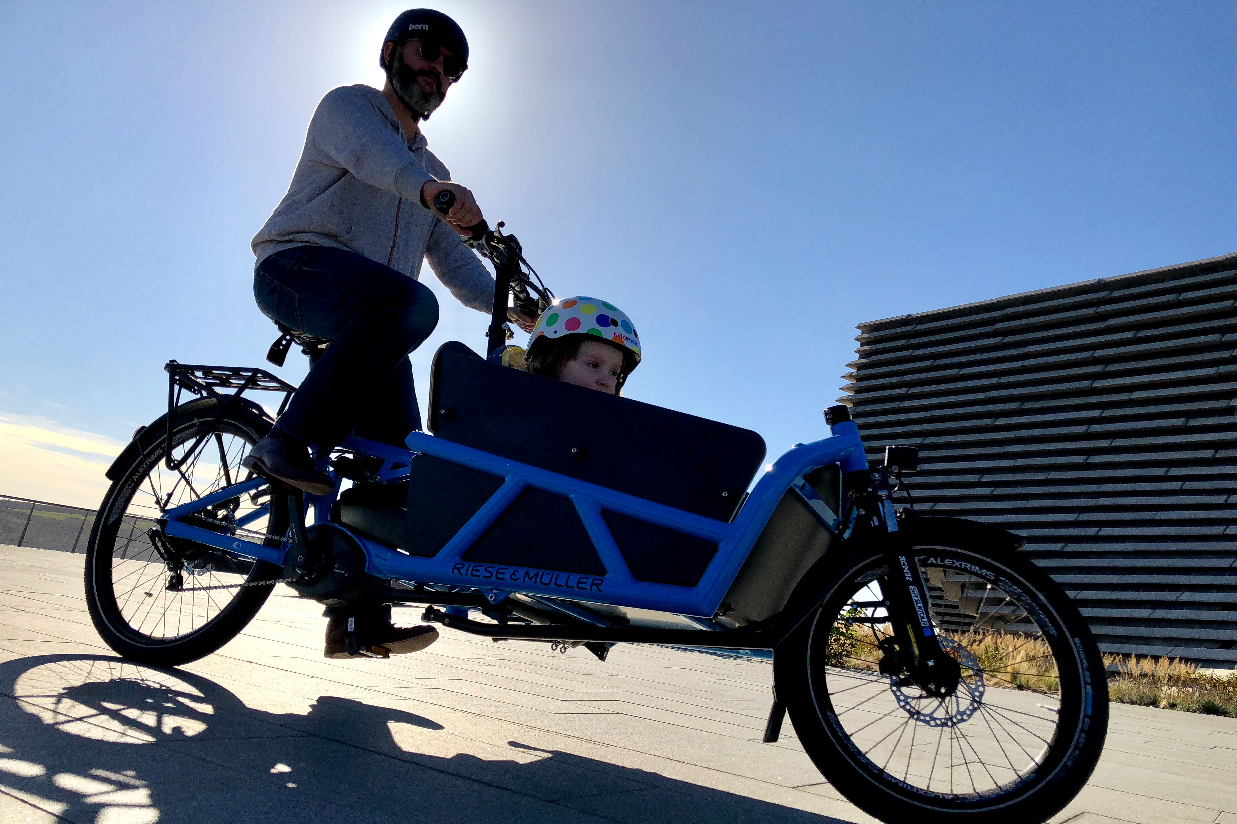 Why e-bikes are perfect for parents of little kids